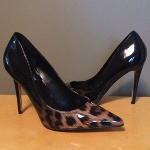 Steve Madden Leopard Pump Patent Pointed Toe 9.5